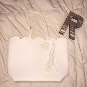 Scalloped Plain White Tassel Bag